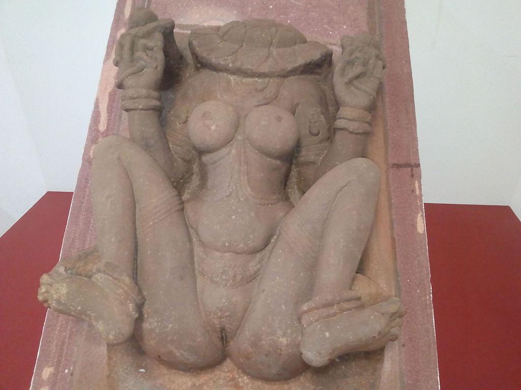 Lajja Gauri  sculpture, Badami museum, Karnataka