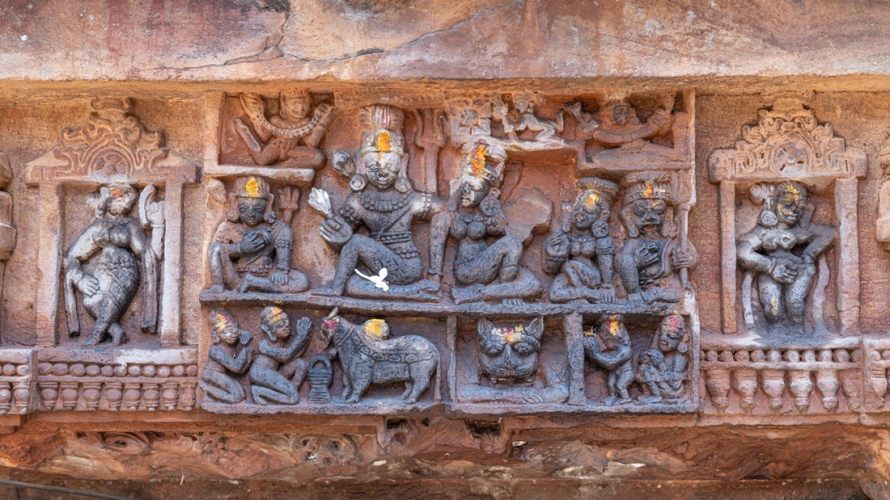 Lintel depicting Shiva, Parvati and their mounts